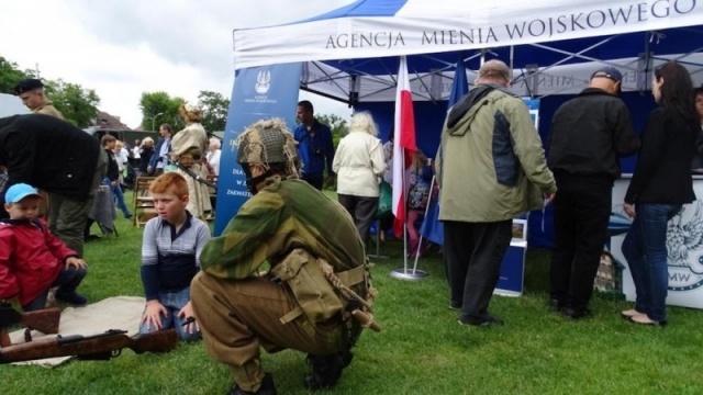 AMW_wlaczyla_sie_w_przygotowania_ogolnopolskich_dni_Razem_z_NATO_fot._OR_AMW_w_Szczecinie.jpg