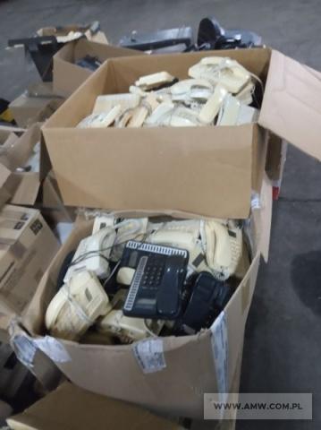 Aparaty telefoniczne - pakiet zawierający 92 poz. asort. (wg oddzielnego wykazu), tym m.in.: PANASONIC, PHILIPS, ELEKTRON, LOTOS itp.